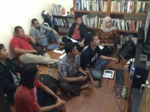 mengikuti meeting Hub Indonesia